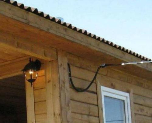 Воздушный ввод силового кабеля в баню