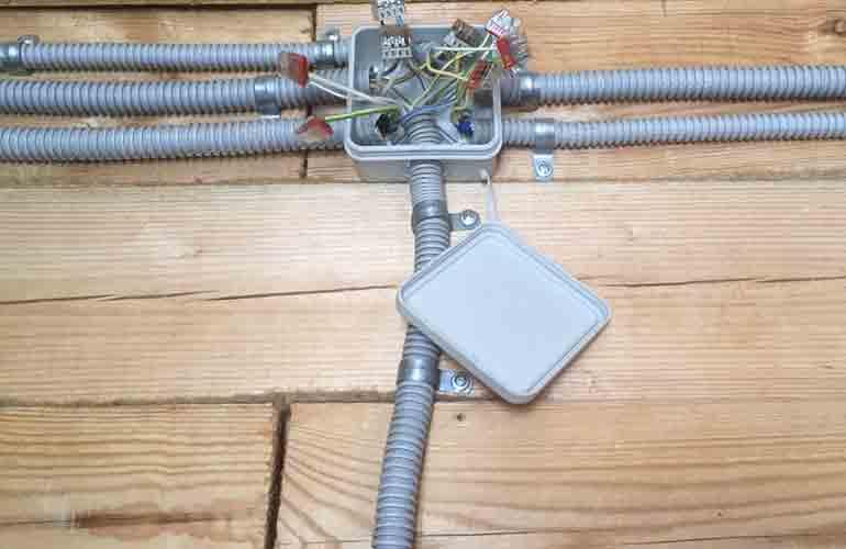 Электропроводка в гофре ПВХ